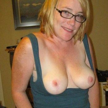 Vrouw (51) zoekt sex in Friesland