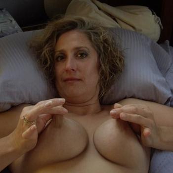Vrouw (52) zoekt sex in Zuid-Holland