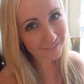 Vrouw (40) zoekt sex in Zuid-Holland