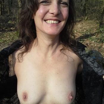 50 jarige vrouw zoekt geile date in Noord-Brabant