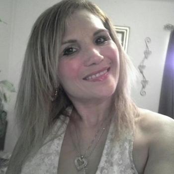 49 jarige vrouw zoekt geile date in Flevoland
