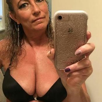 54 jarige vrouw zoekt geile date in Vlaams-brabant