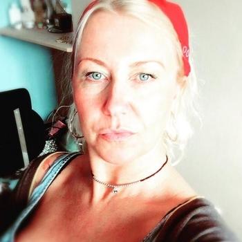 Vrouw (51) zoekt sex in Noord-Brabant