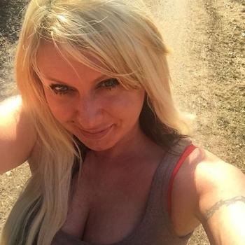 40 jarige vrouw zoekt contact voor sex met mannen in Drenthe