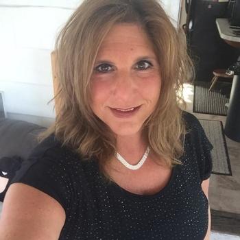 46 jarige vrouw zoekt seksueel contact in Friesland
